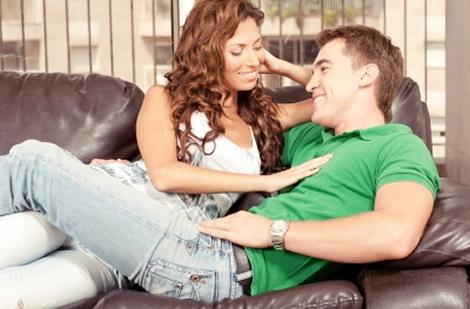 Naised paljastavaid pisiasju, mida nad teevad, kui mehesse salaja armunud on!